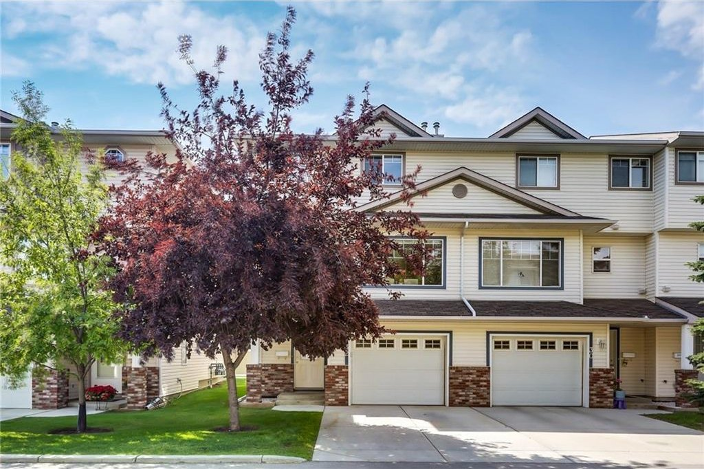 Main Photo: 32 COUNTRY HILLS Cove NW in Calgary: Country Hills House for sale : MLS®# C4131874
