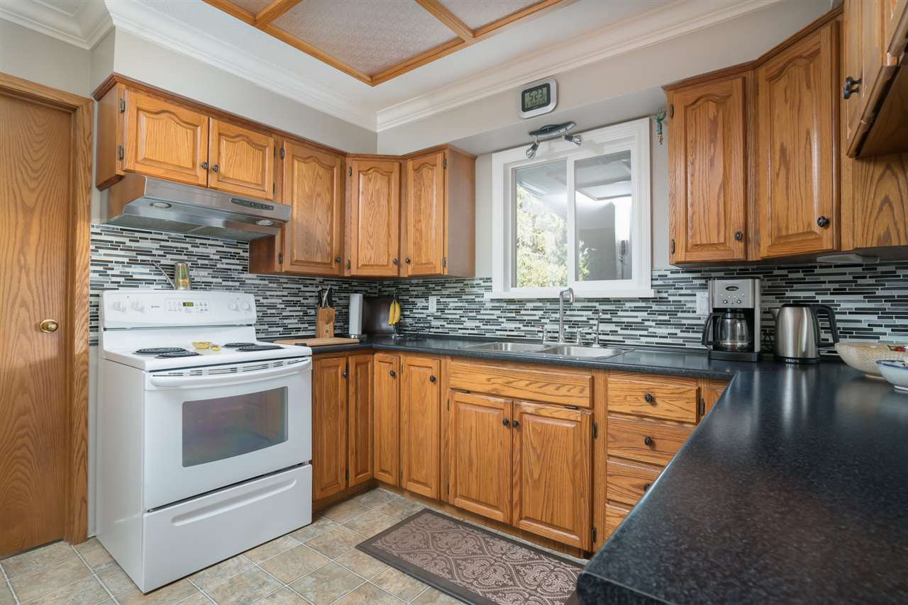Photo 6: Photos: 2119 CHATEAU PLACE in Abbotsford: Abbotsford West House for sale : MLS®# R2205882