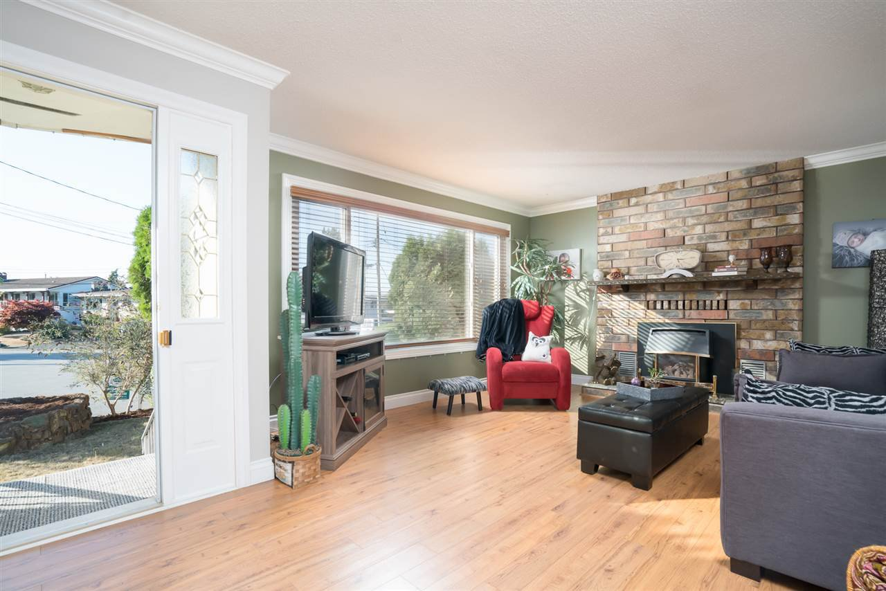 Photo 3: Photos: 2119 CHATEAU PLACE in Abbotsford: Abbotsford West House for sale : MLS®# R2205882