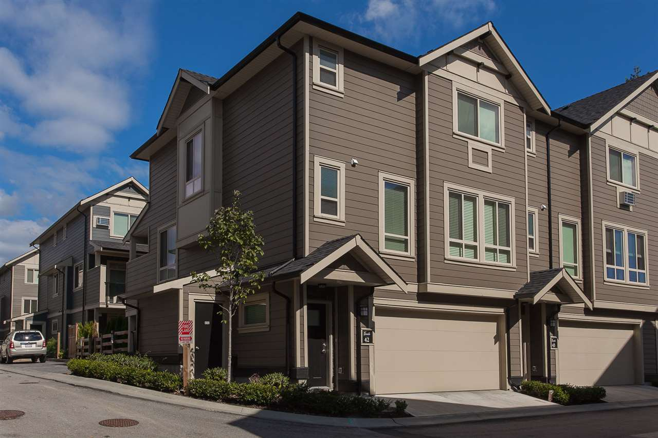 "Main Photo: 42 19913 70 Avenue in Langley: Willoughby Heights Townhouse for sale in ""THE BROOKS"" : MLS®# R2208811"