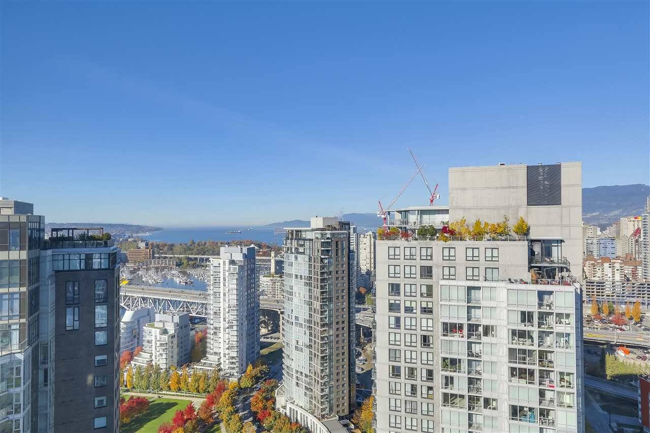 "Photo 1: Photos: 3903 1408 STRATHMORE Mews in Vancouver: Yaletown Condo for sale in ""West One"" (Vancouver West)  : MLS®# R2218263"