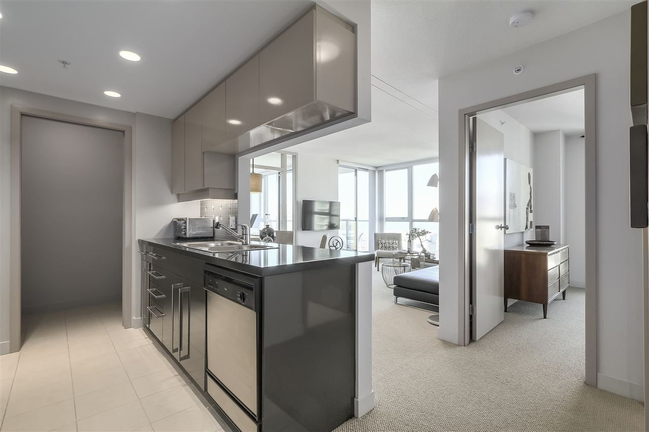 "Photo 2: Photos: 3903 1408 STRATHMORE Mews in Vancouver: Yaletown Condo for sale in ""West One"" (Vancouver West)  : MLS®# R2218263"