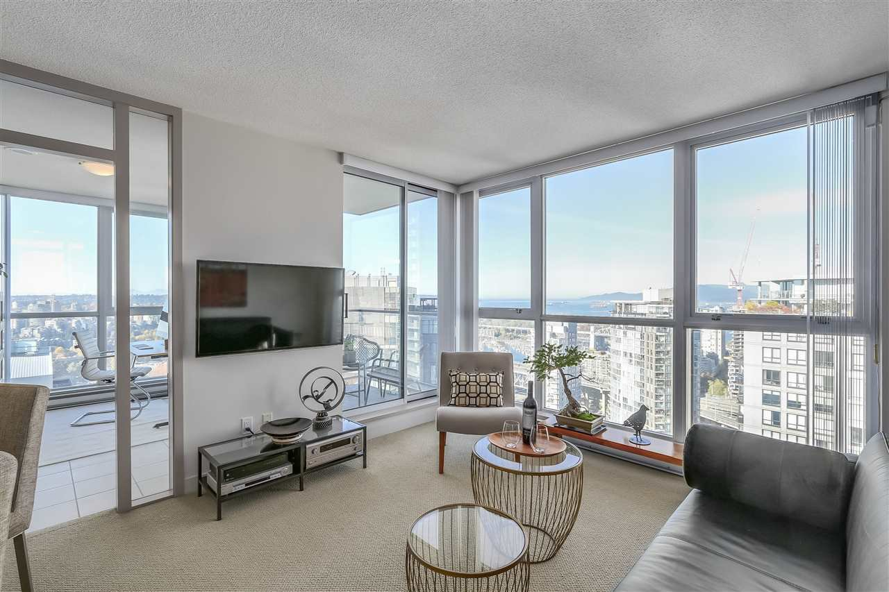 "Photo 4: Photos: 3903 1408 STRATHMORE Mews in Vancouver: Yaletown Condo for sale in ""West One"" (Vancouver West)  : MLS®# R2218263"