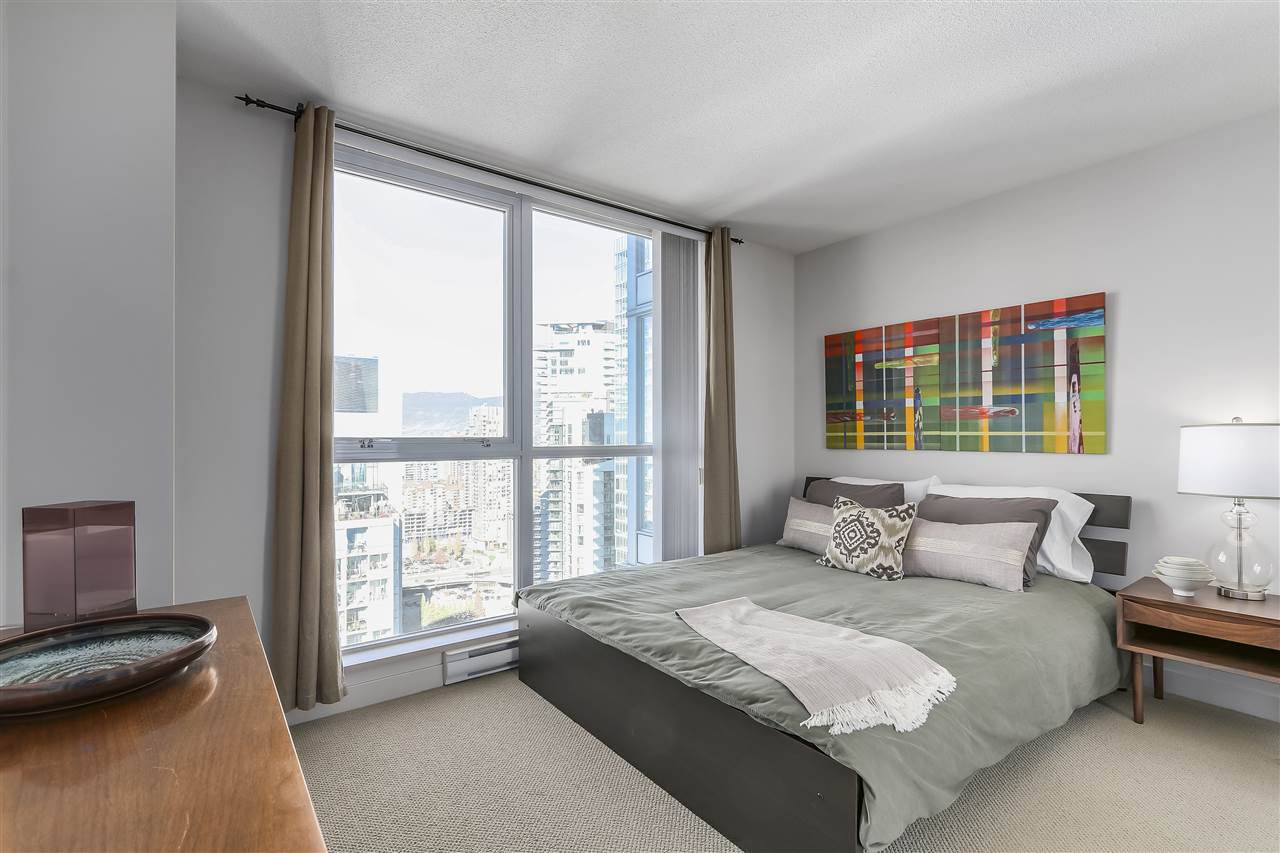 "Photo 13: Photos: 3903 1408 STRATHMORE Mews in Vancouver: Yaletown Condo for sale in ""West One"" (Vancouver West)  : MLS®# R2218263"