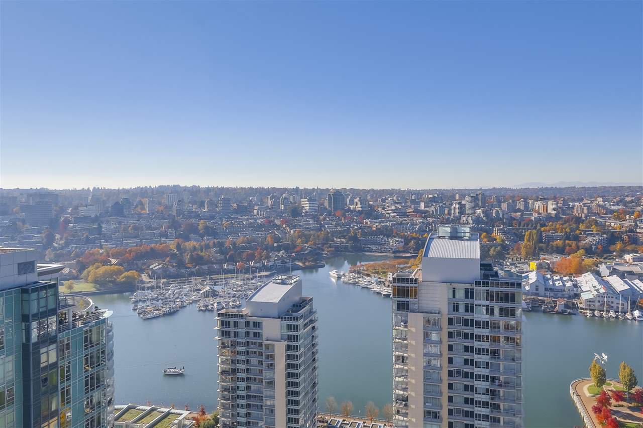 "Photo 10: Photos: 3903 1408 STRATHMORE Mews in Vancouver: Yaletown Condo for sale in ""West One"" (Vancouver West)  : MLS®# R2218263"