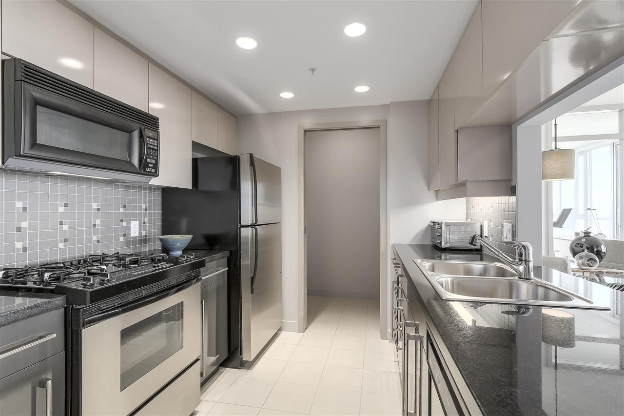 "Photo 12: Photos: 3903 1408 STRATHMORE Mews in Vancouver: Yaletown Condo for sale in ""West One"" (Vancouver West)  : MLS®# R2218263"