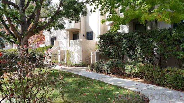 Main Photo: UNIVERSITY CITY Townhome for rent : 2 bedrooms : 8462 Via Sonoma #39 in La Jolla