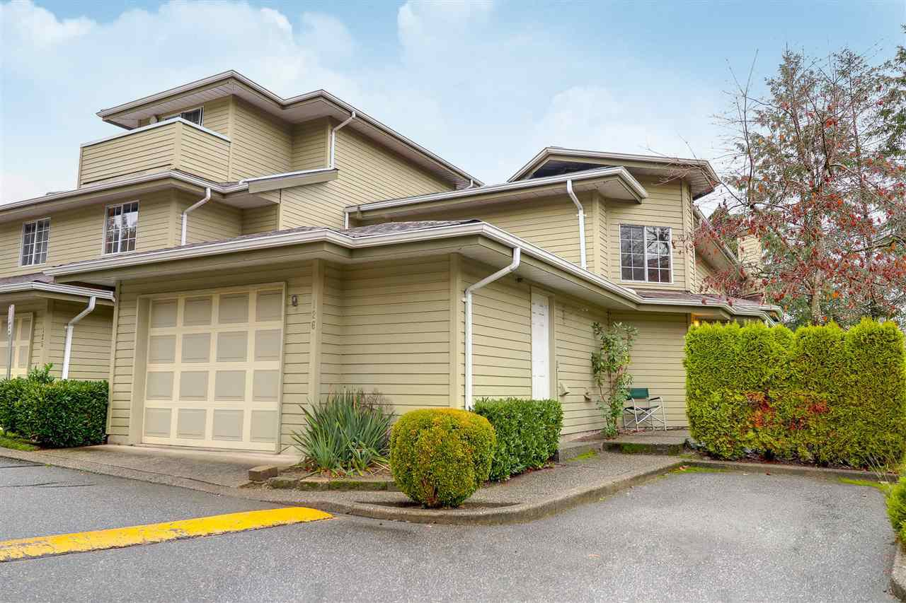 "Main Photo: 126 1386 LINCOLN Drive in Port Coquitlam: Oxford Heights Townhouse for sale in ""MOUNTAIN PARK VILLAGE"" : MLS®# R2224532"