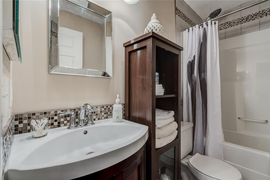 Photo 17: Photos: 210 248 SUNTERRA RIDGE Place: Cochrane Condo for sale : MLS®# C4193925