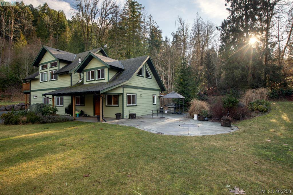 Main Photo: 1347 Shawnigan Lake Rd in SHAWNIGAN LAKE: ML Shawnigan Single Family Detached for sale (Malahat & Area)  : MLS®# 805247