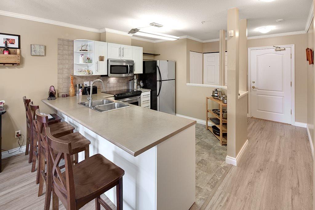 Photo 9: Photos: 101 22230 NORTH Avenue in Maple Ridge: West Central Condo for sale : MLS®# R2354509