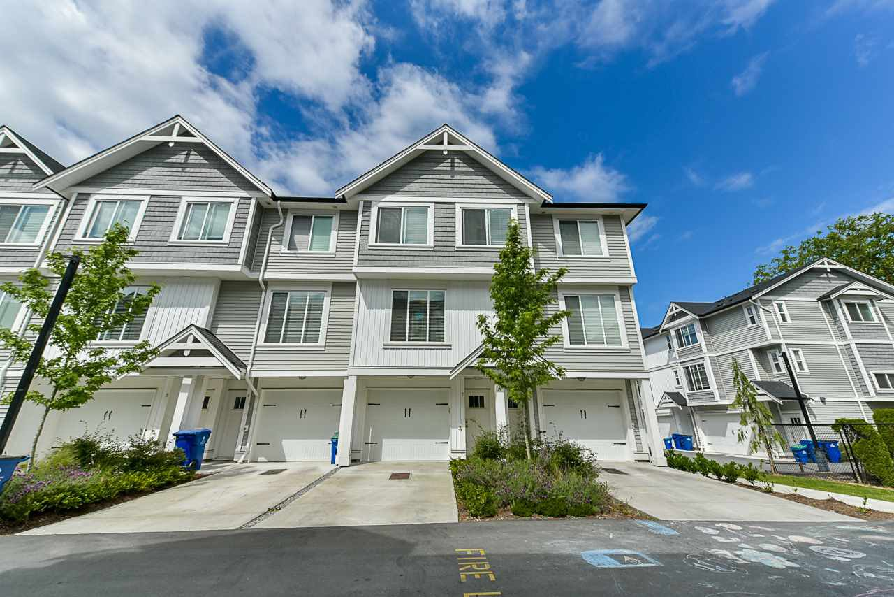 Main Photo: 7 32043 MT WADDINGTON Avenue in Abbotsford: Abbotsford West Townhouse for sale : MLS®# R2375064