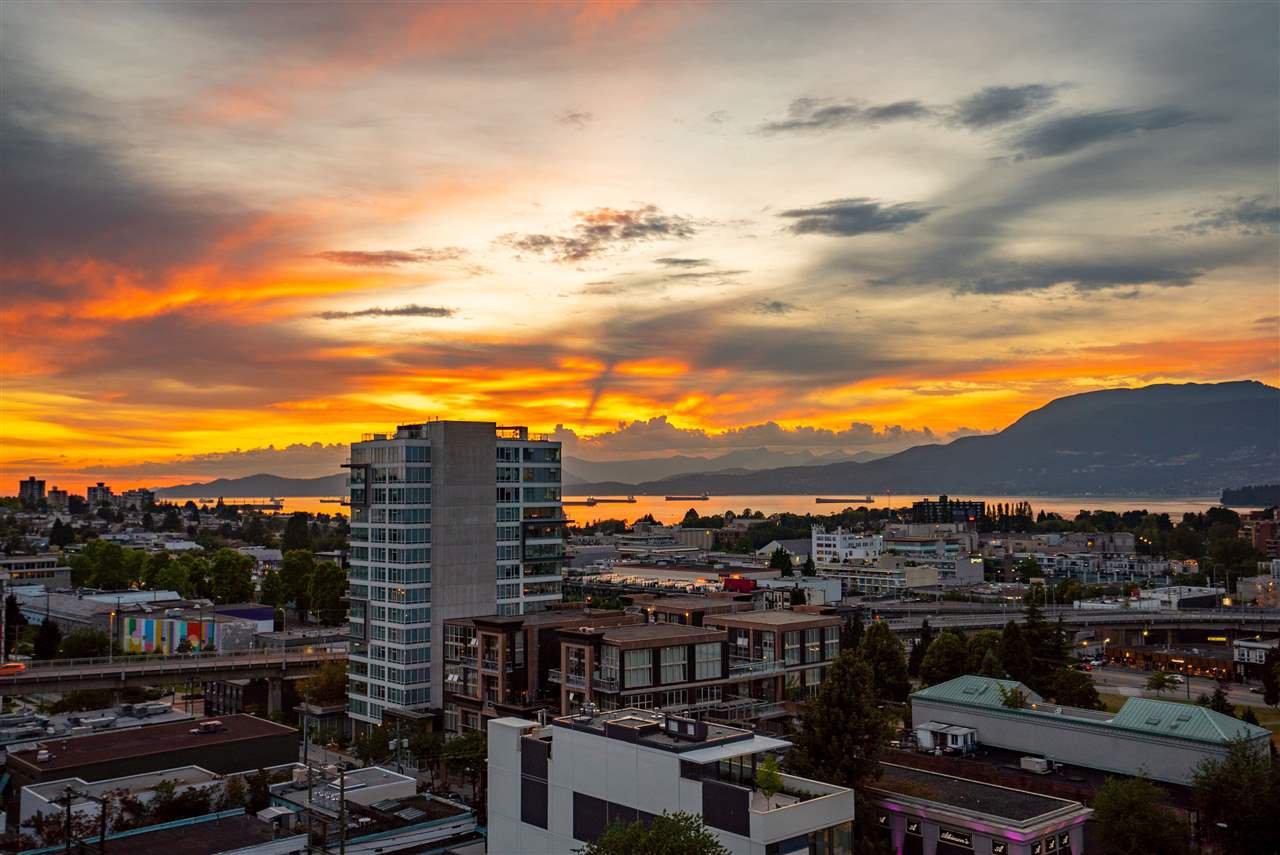 "Main Photo: 1103 1483 W 7TH Avenue in Vancouver: Fairview VW Condo for sale in ""VERONA OF PORTICO VILLAGE"" (Vancouver West)  : MLS®# R2384054"