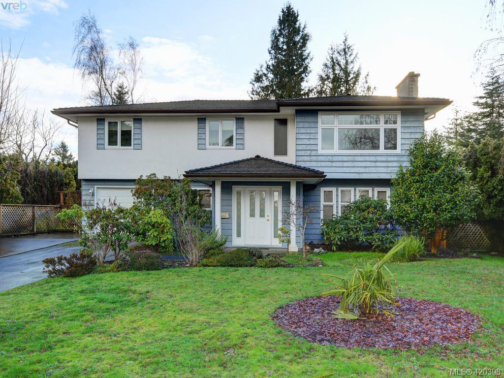 Main Photo: 1907 High Park Place in VICTORIA: SE Gordon Head Single Family Detached for sale (Saanich East)  : MLS®# 420398