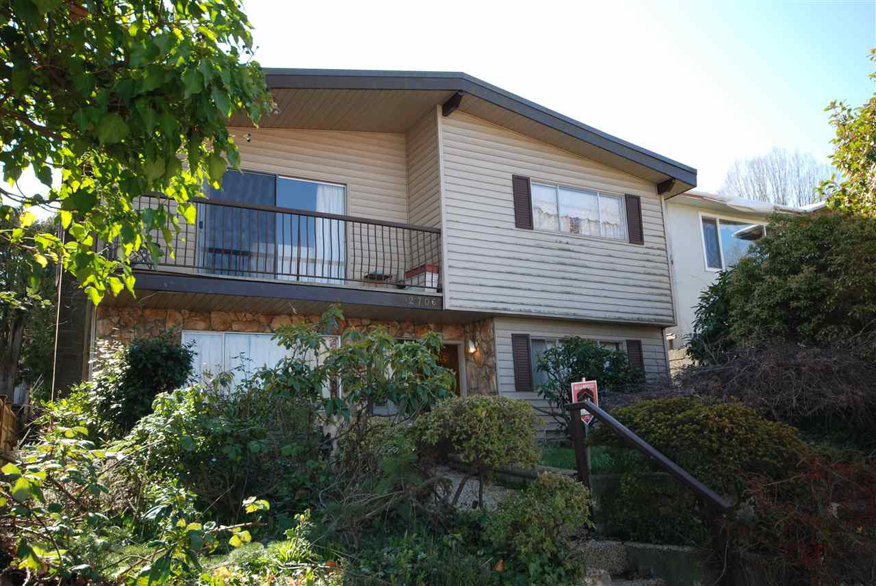 Main Photo: 2706 CHEYENNE Avenue in Vancouver: Collingwood VE House for sale (Vancouver East)  : MLS®# R2445112