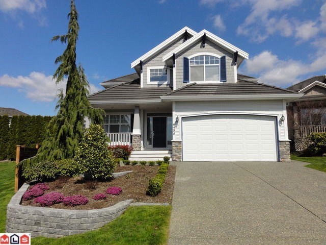 Main Photo: 6488 CLAYTONWOOD Gate in Surrey: Cloverdale BC House for sale (Cloverdale)  : MLS®# F1115606