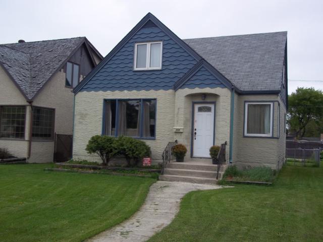 Main Photo: 555 HENDERSON Highway in WINNIPEG: East Kildonan Residential for sale (North East Winnipeg)  : MLS®# 1109954