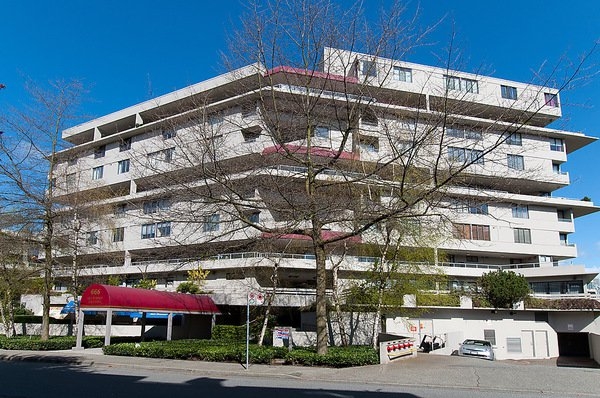 """Main Photo: 422 666 LEG IN BOOT Square in Vancouver: False Creek Condo for sale in """"LEG IN BOOT SQUARE"""" (Vancouver West)  : MLS®# V1067566"""