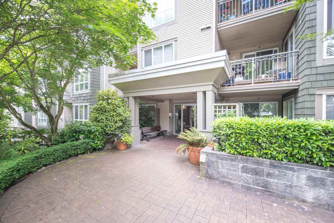 "Main Photo: 206 8495 JELLICOE Street in Vancouver: Fraserview VE Condo for sale in ""RIVERGATE"" (Vancouver East)  : MLS®# R2072919"