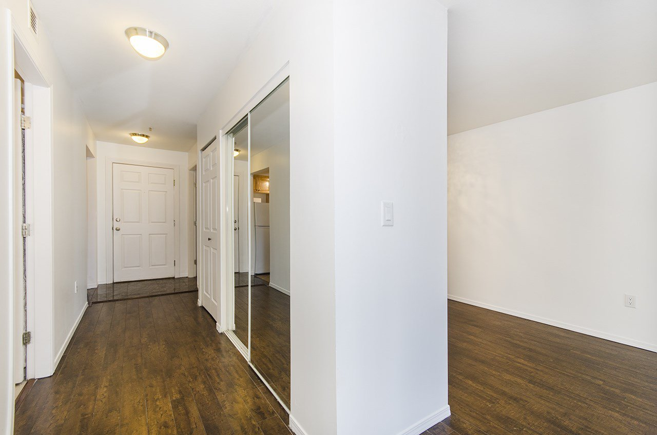 Main Photo: 303 3319 KINGSWAY in Vancouver: Collingwood VE Condo for sale (Vancouver East)  : MLS®# R2209950