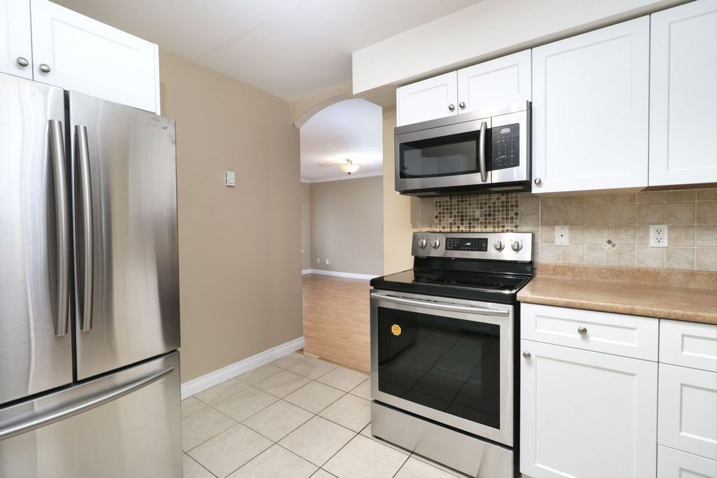 """Photo 8: Photos: 208 1567 GRANT Avenue in Port Coquitlam: Glenwood PQ Townhouse for sale in """"THE GRANT"""" : MLS®# R2251772"""