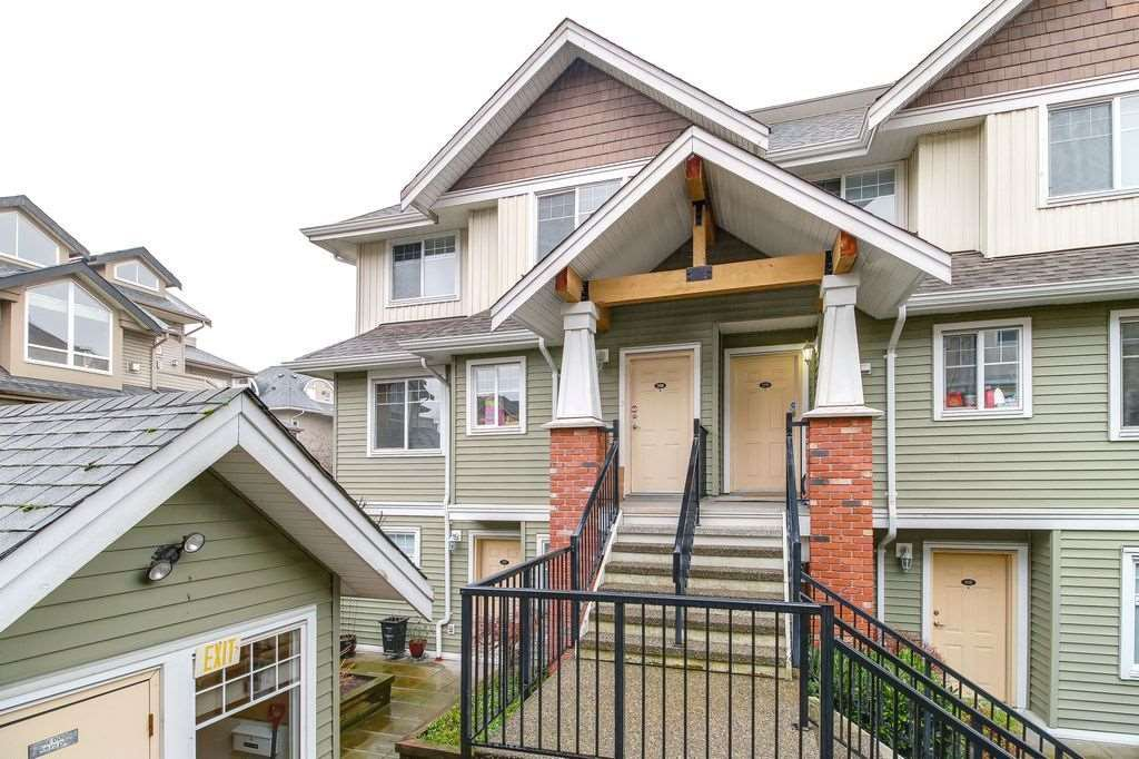 """Photo 2: Photos: 208 1567 GRANT Avenue in Port Coquitlam: Glenwood PQ Townhouse for sale in """"THE GRANT"""" : MLS®# R2251772"""