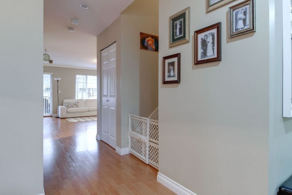 """Photo 10: Photos: 208 1567 GRANT Avenue in Port Coquitlam: Glenwood PQ Townhouse for sale in """"THE GRANT"""" : MLS®# R2251772"""