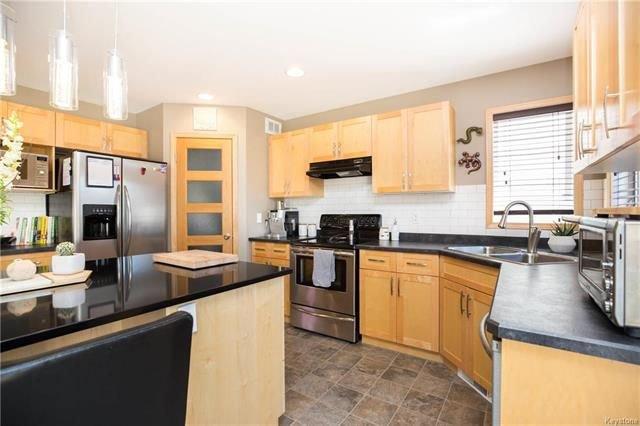 Photo 7: Photos: 46 Haverhill Crescent in Winnipeg: Royalwood Residential for sale (2J)  : MLS®# 1818965