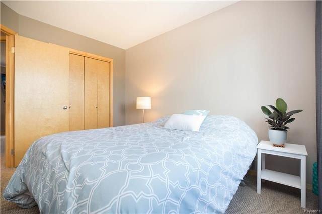 Photo 14: Photos: 46 Haverhill Crescent in Winnipeg: Royalwood Residential for sale (2J)  : MLS®# 1818965