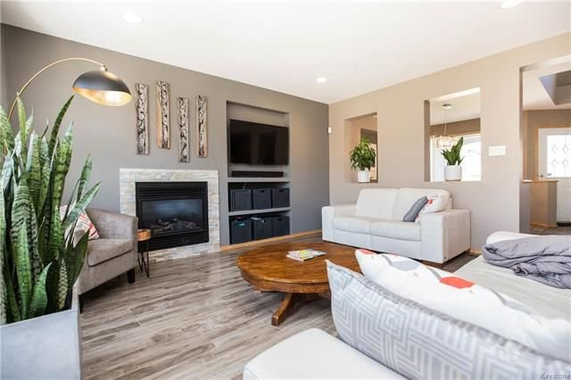 Photo 5: Photos: 46 Haverhill Crescent in Winnipeg: Royalwood Residential for sale (2J)  : MLS®# 1818965