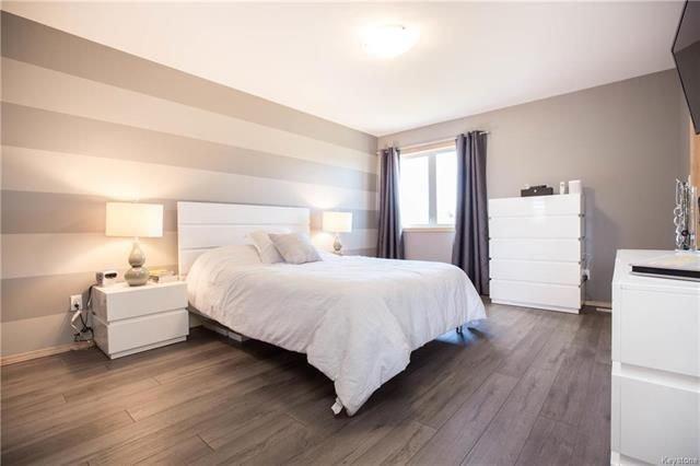 Photo 11: Photos: 46 Haverhill Crescent in Winnipeg: Royalwood Residential for sale (2J)  : MLS®# 1818965