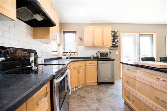 Photo 9: Photos: 46 Haverhill Crescent in Winnipeg: Royalwood Residential for sale (2J)  : MLS®# 1818965