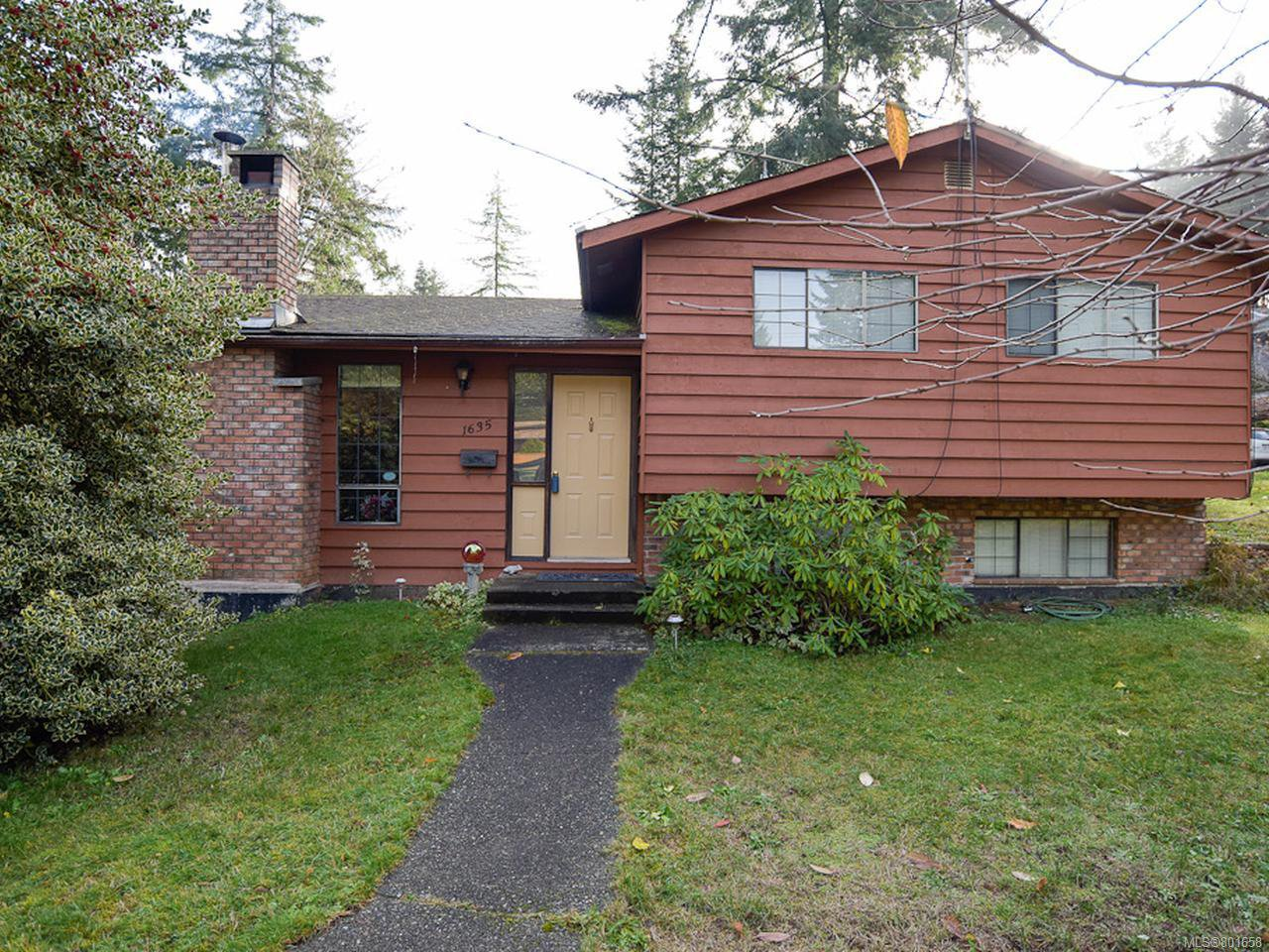 Main Photo: 1635 E 12th St in COURTENAY: CV Courtenay East House for sale (Comox Valley)  : MLS®# 801658