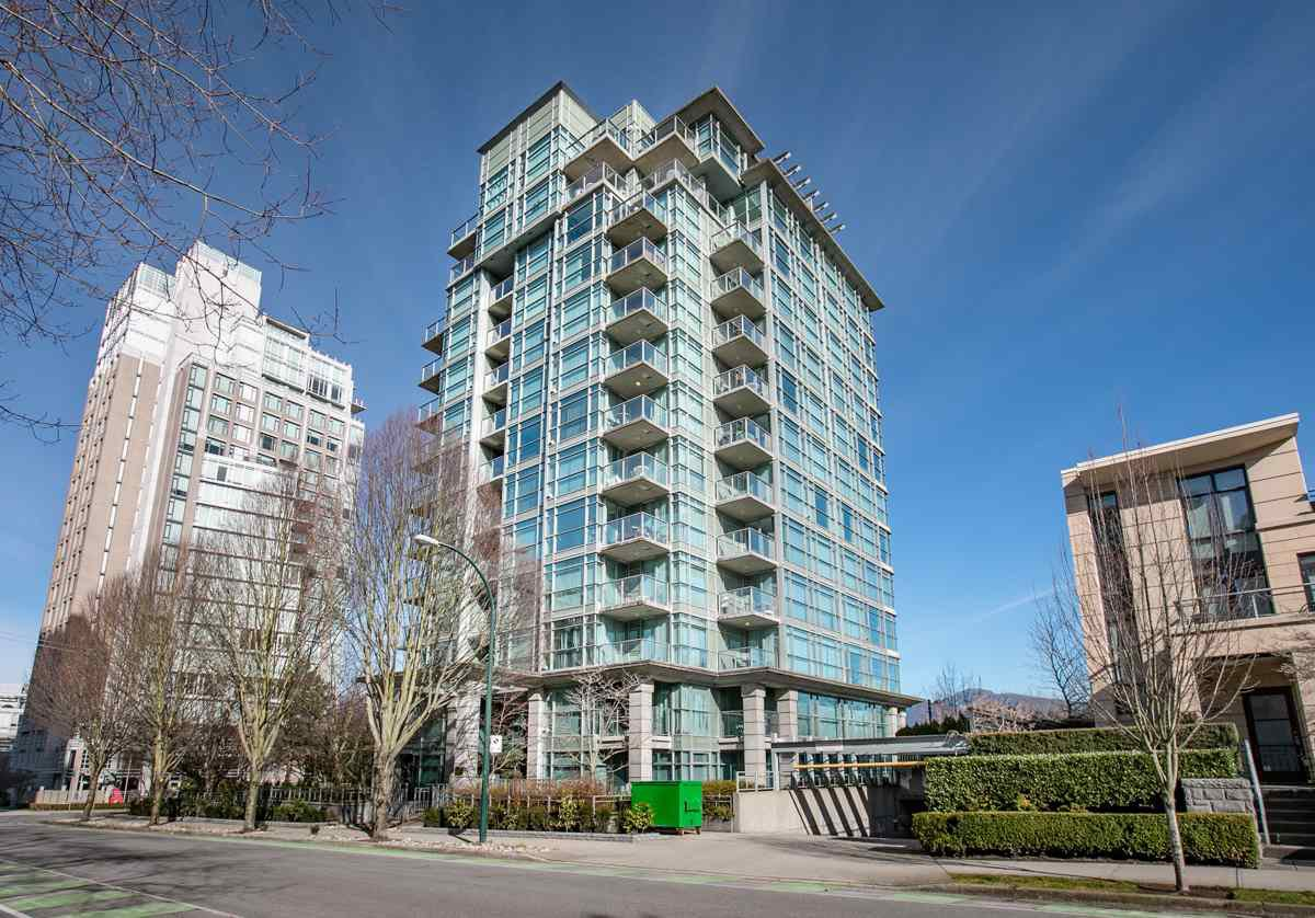 "Main Photo: 309 1889 ALBERNI Street in Vancouver: West End VW Condo for sale in ""LORD STANLEY"" (Vancouver West)  : MLS®# R2343029"