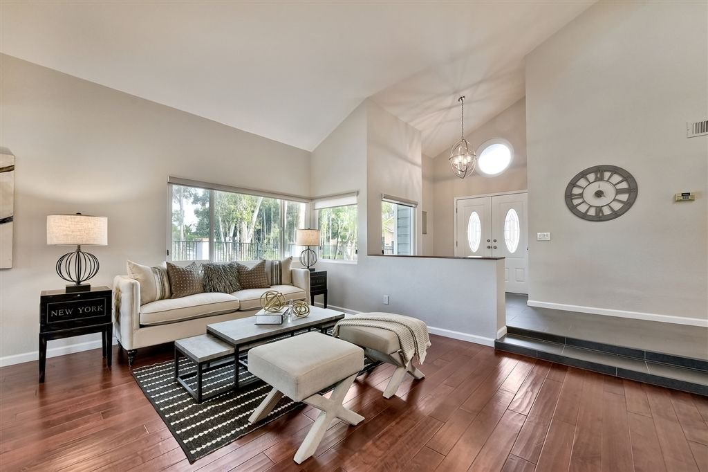 Photo 3: Photos: SCRIPPS RANCH House for sale : 4 bedrooms : 11680 Scripps Lake Dr in San Diego