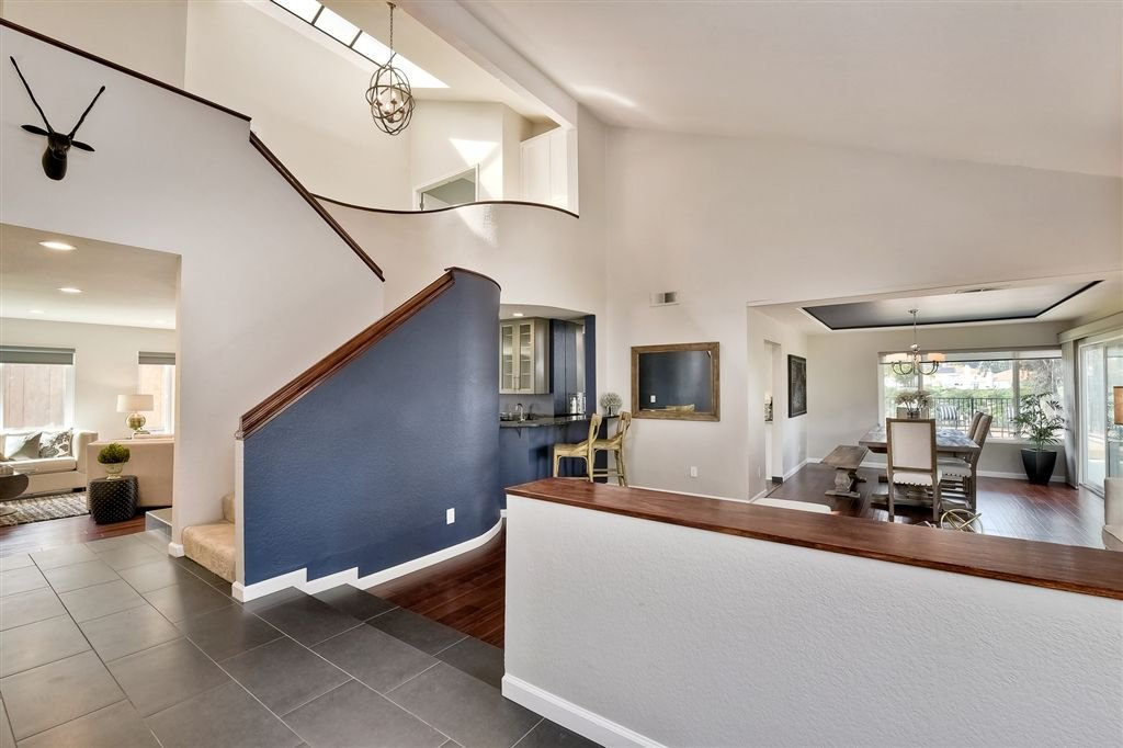 Photo 2: Photos: SCRIPPS RANCH House for sale : 4 bedrooms : 11680 Scripps Lake Dr in San Diego