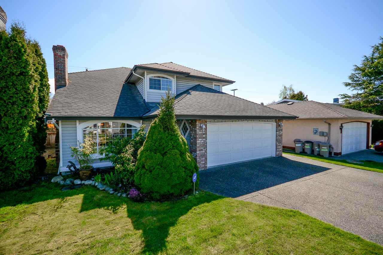 Main Photo: 6136 48A Avenue in Delta: Holly House for sale (Ladner)  : MLS®# R2355350
