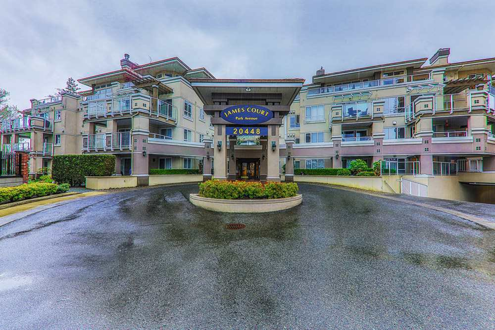 "Main Photo: 204 20448 PARK Avenue in Langley: Langley City Condo for sale in ""JAMES COURT"" : MLS®# R2357776"
