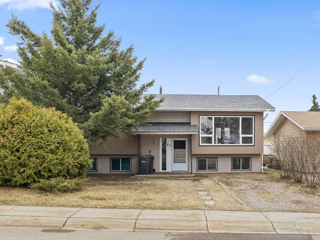 Main Photo: 811 11 Avenue: Cold Lake House for sale : MLS®# E4155999
