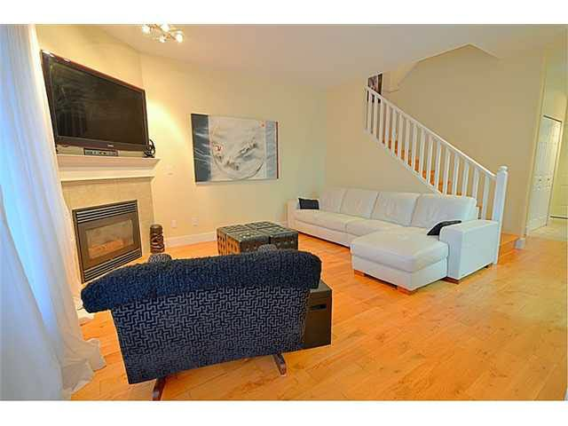 """Photo 8: Photos: 11 1765 PADDOCK Drive in Coquitlam: Westwood Plateau Townhouse for sale in """"WORTHING GREEN"""" : MLS®# V1091636"""