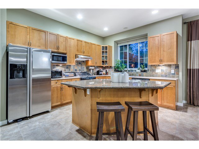 """Photo 6: Photos: 43 ASHWOOD Drive in Port Moody: Heritage Woods PM House for sale in """"STONERIDGE"""" : MLS®# V1134050"""