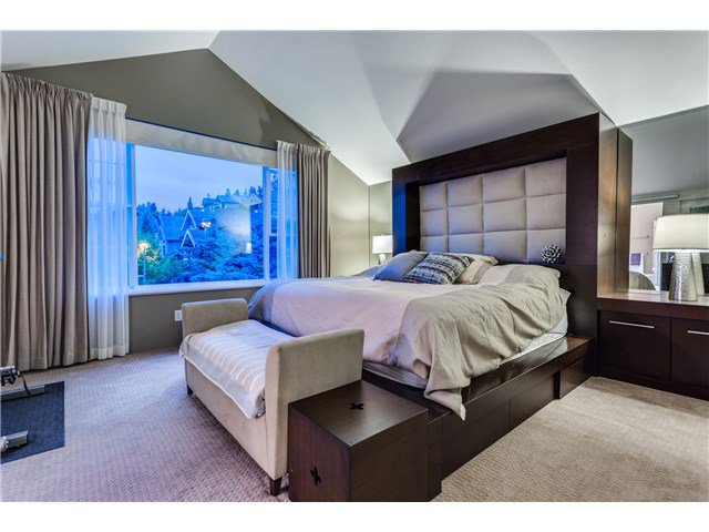 """Photo 9: Photos: 43 ASHWOOD Drive in Port Moody: Heritage Woods PM House for sale in """"STONERIDGE"""" : MLS®# V1134050"""