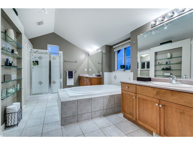 """Photo 10: Photos: 43 ASHWOOD Drive in Port Moody: Heritage Woods PM House for sale in """"STONERIDGE"""" : MLS®# V1134050"""