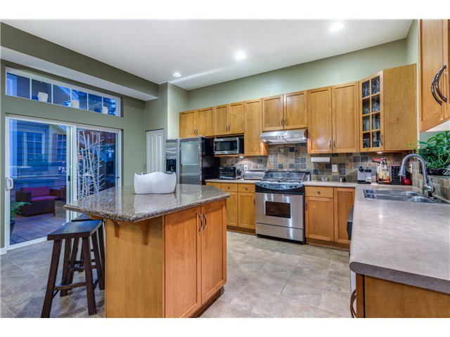 """Photo 7: Photos: 43 ASHWOOD Drive in Port Moody: Heritage Woods PM House for sale in """"STONERIDGE"""" : MLS®# V1134050"""