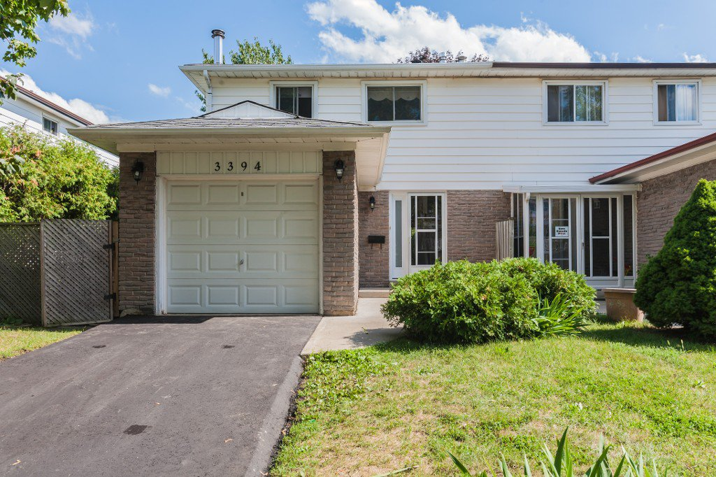 Main Photo: 3394 Silverado Drive in Mississauga: Mississauga Valleys House (2-Storey) for sale : MLS®# W3292226