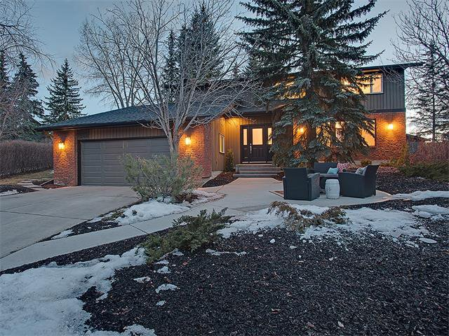 Main Photo: 240 PUMP HILL Gardens SW in Calgary: Pump Hill House for sale : MLS®# C4052437
