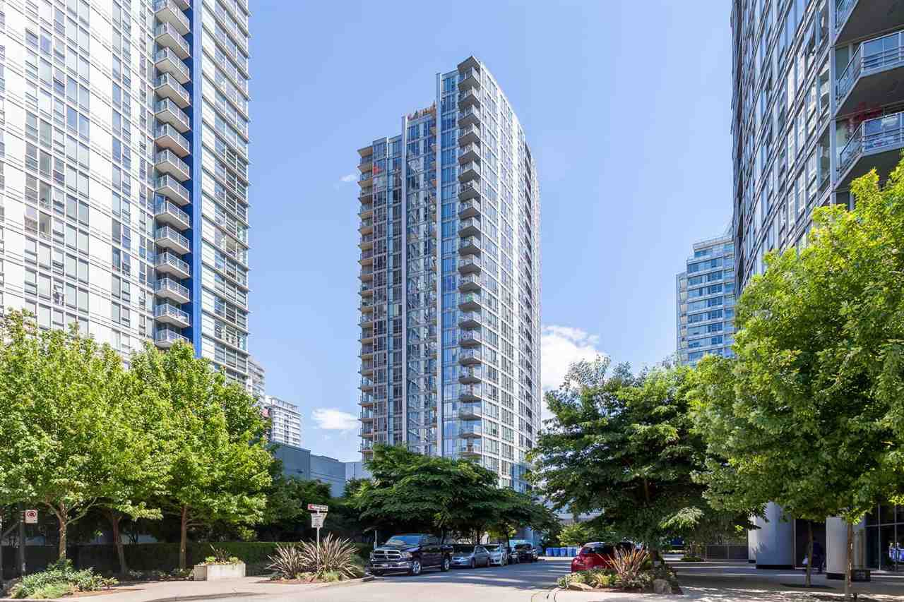 "Main Photo: #802 - 131 Regiment Sq, in Vancouver: Downtown VW Condo for sale in ""SPECTRUM III"" (Vancouver West)  : MLS®# R2067296"