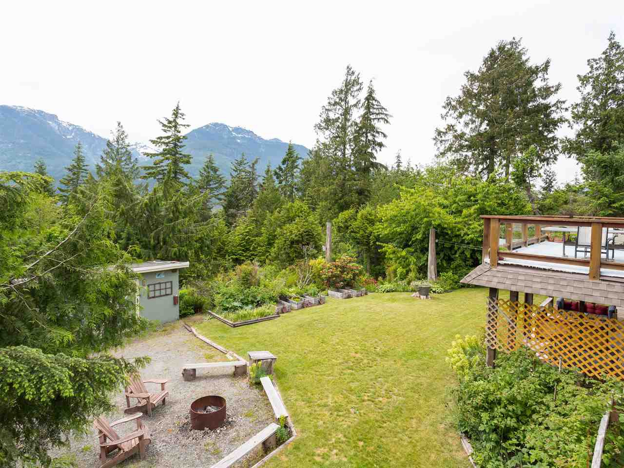 Main Photo: 40471 AYR Drive in Squamish: Garibaldi Highlands House for sale : MLS®# R2074786