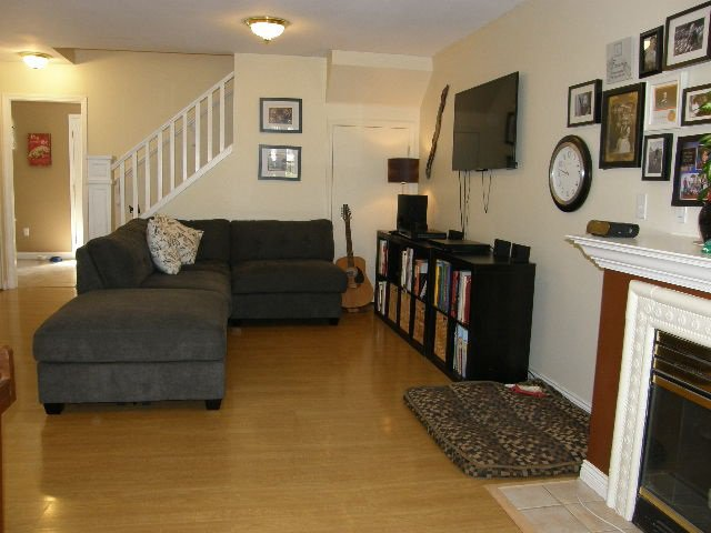 """Photo 4: Photos: 56 12099 237 Street in Maple Ridge: East Central Townhouse for sale in """"THE GABRIOLA"""" : MLS®# R2092471"""