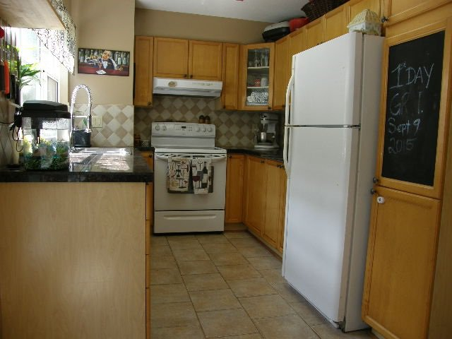 """Photo 6: Photos: 56 12099 237 Street in Maple Ridge: East Central Townhouse for sale in """"THE GABRIOLA"""" : MLS®# R2092471"""